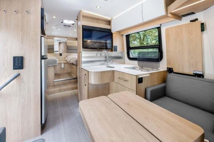 Суперсовременный самодельный дом на колесах