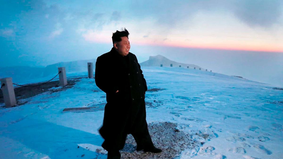 """Ким Чен Ын не в коме, а в глубокой медитации, сообщило DPRK News. У этого """"СМИ"""" ещё много шокирующих новостей"""