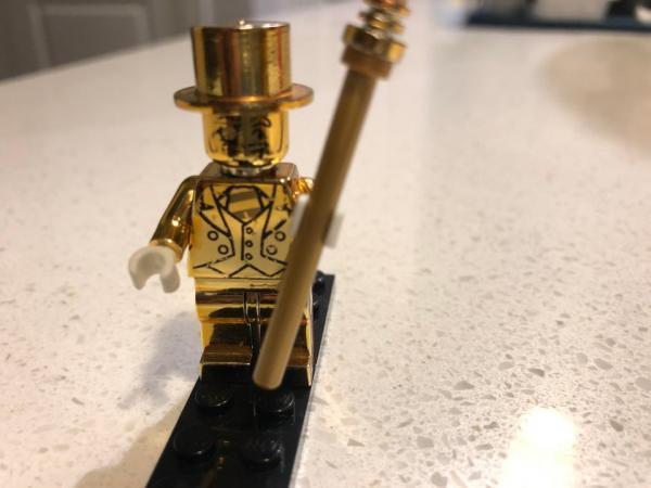 Мужчина купил набор Lego по дешёвке и стал богаче в разы.